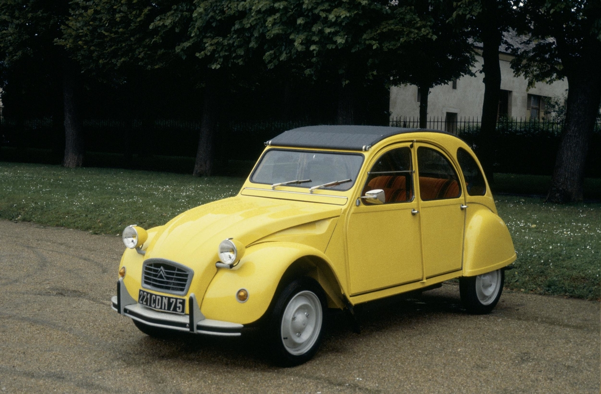 Citroen 2CV Valentines Special Loveable Cars